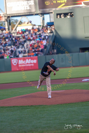 2014 SF Giants Filipino Heritage Night First Pitch-Al Perez