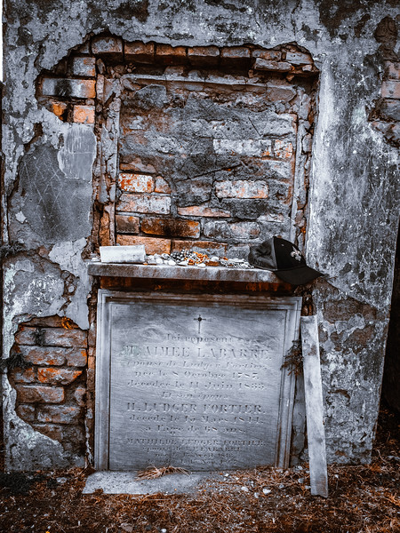 St Louis Cemetary No.2