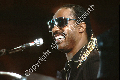 01-Stevie Wonder-Sanders Hall Harvard University-4-26-84