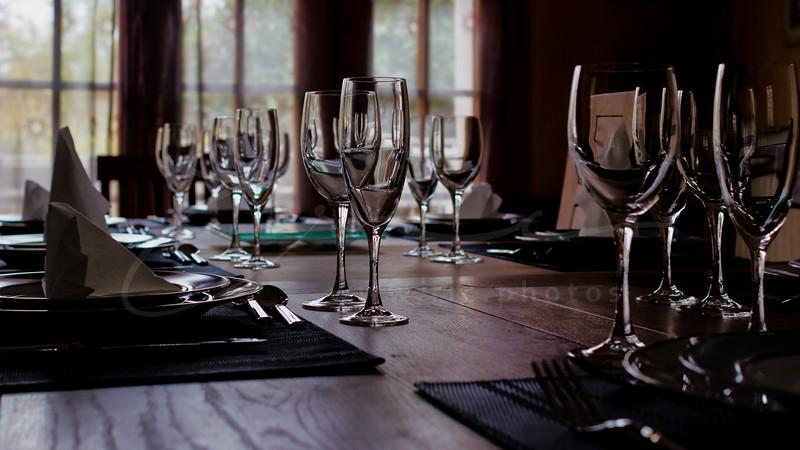 les verres sur la table