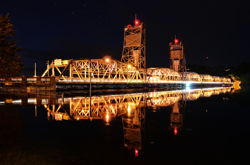Night falls over the Stillwater Lift Bridge