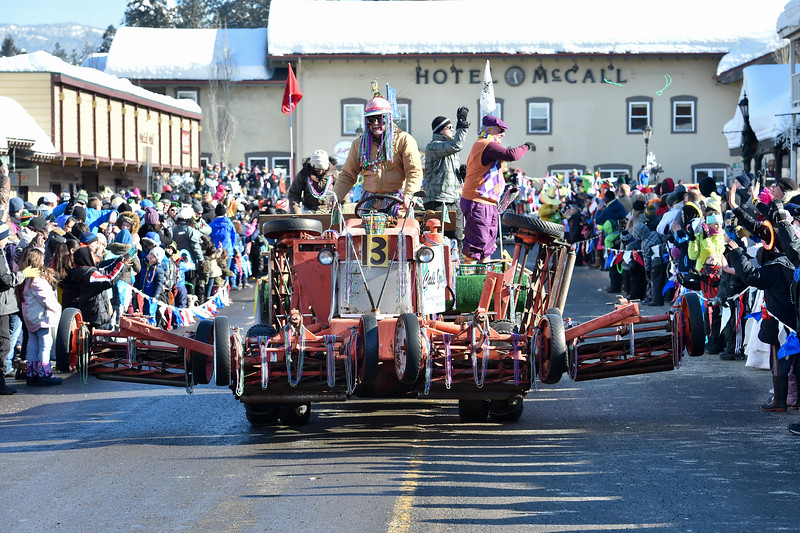 6919: McCall Winter Carnival 2017 Parade.