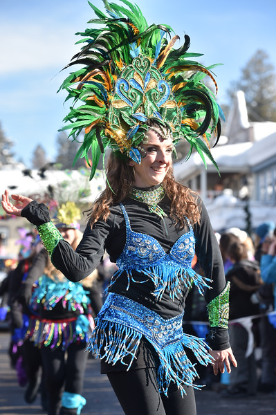 7019: Samba Dancers, Winter Carnival Parade
