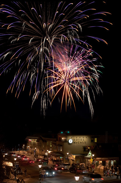 3805: Winter Carnival Fireworks