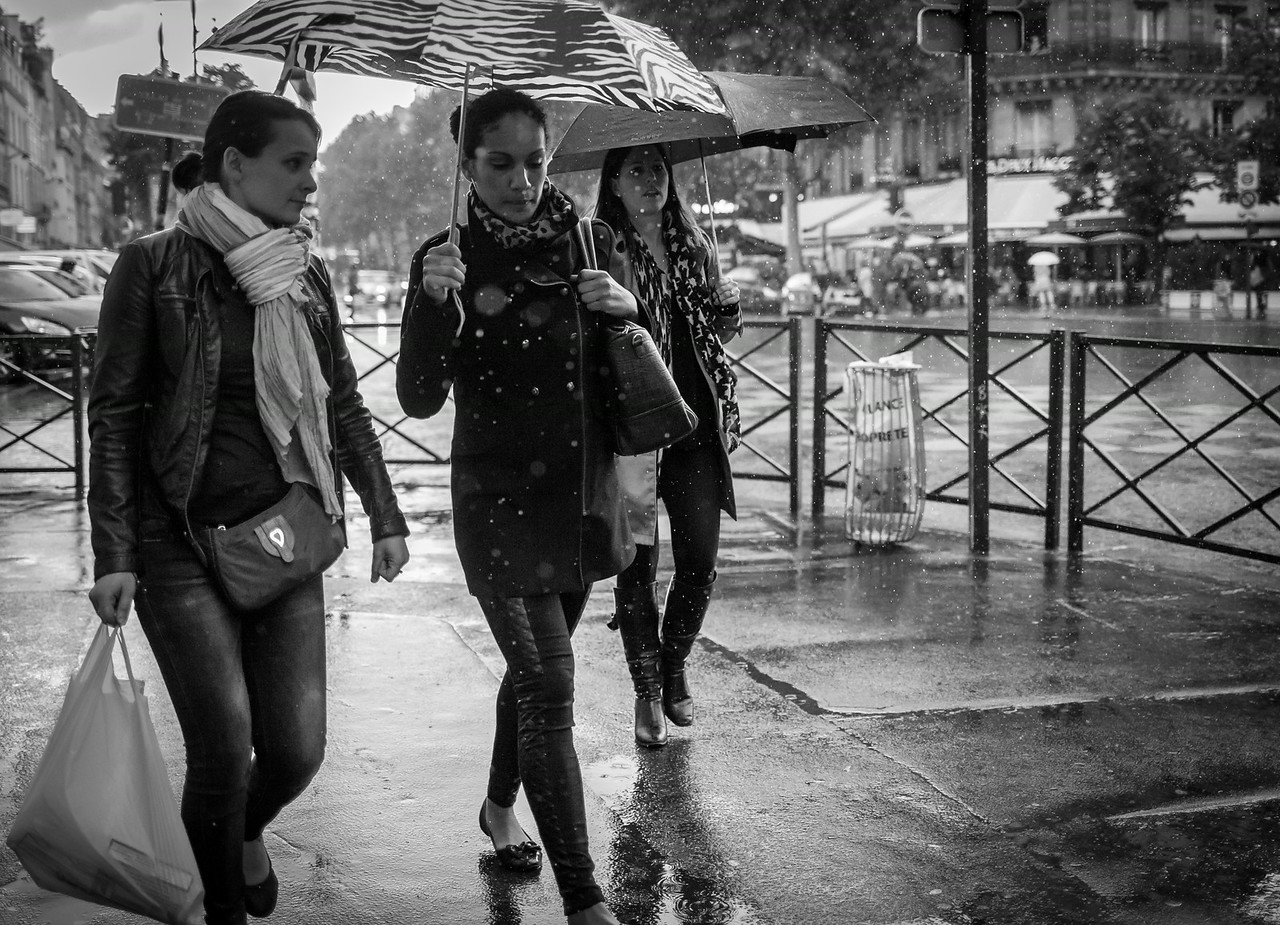 Three Girls And The Rain