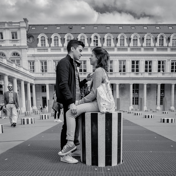 Love is in the air - Palais Royal, Paris