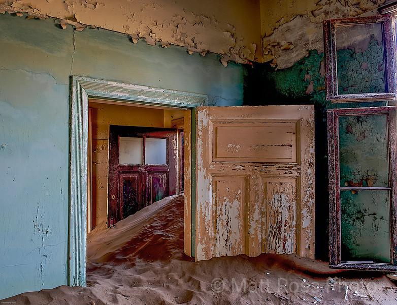 RED, PEACH DOORS IN SAND, KOLMANSKOP II
