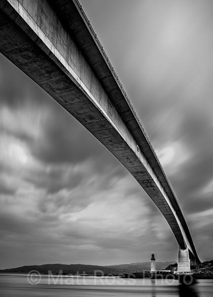 SKYE BRIDGE, KYLEAK LIGHT