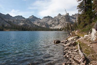 Trailside scenery along Alice Lake.