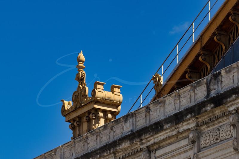 un détail à la gare St. Charles | a detail at the station