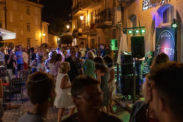 danser à la rue   dancing in the streets