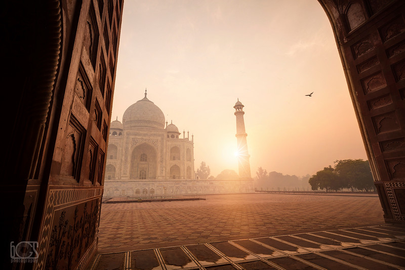 Morning at the Taj