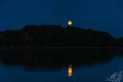 Moonrise Cowan Lake