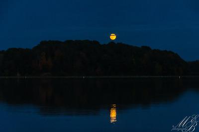 Moonrise Cowan Lake