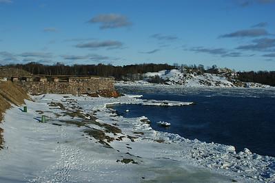 Kustaanmiekan salmi Suomenlinnasta - Strait of Kustaanmiekka from Suomenlinna fortress, Helsinki 2012.