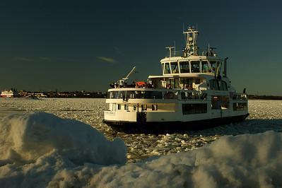 Suomenlinnan lautta - Ferry of Suomenlinna, Helsinki 2012.