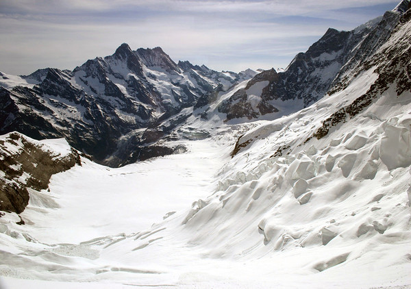 Eastern view across the Obers Ischmeer (upper sea of ice) - to the Schreckhorn and Lauteraahorn (just behind) - with the Klein Fiescherhorn (R) - from the observation viewpoint along the Jungfraubahn Tunnel, southeastern slope of the Eigerjoch - canton of Bern