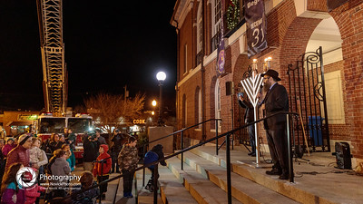 NeedhamChanukahMenorah2019-186101
