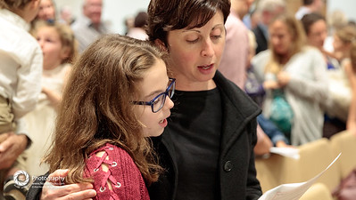 Mayim: families worship together