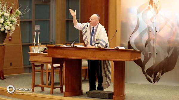 Friday night @ TBS with Rabbi Jay Perlman.