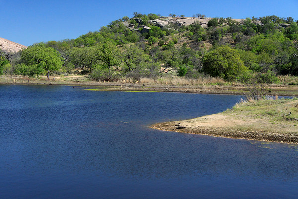 Moss Lake to northern slope of Little Rock - and a glimpse of Enchanted Rock (l).