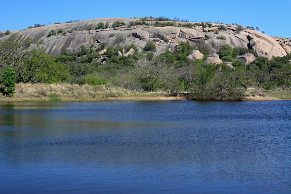 Moss Lake to Enchanted Rock (western slope).
