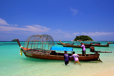 Sea Gypsies (Chao Le) Fisherman Heading Out (Andaman Sea, Koh Lipe, Thailand) (2)