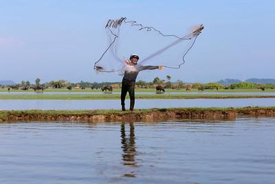 Casting the Net, Thale Noi, Phattalung, Thailand