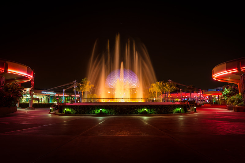 Epcot: Innoventions Fountain