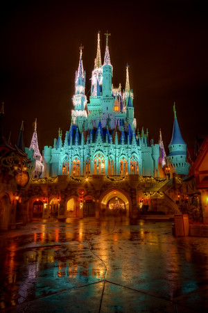 Disney's Magic Kingdom: Cinderellas Foot Will Get Wet