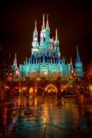 Disney's Magic Kingdom: Cinderellas Foot Will Get Wet