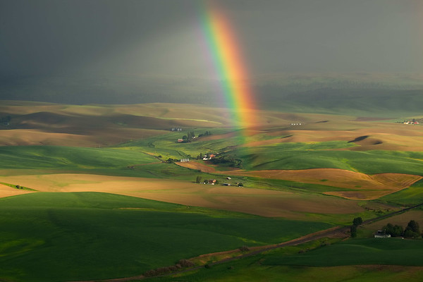 Rainbow and Farmhouse,Steptoe Butte