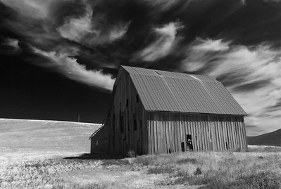 Old Barn with Cirrus Clouds in Black and White, Palouse Washinton