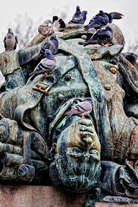 """This is my favorite picture of the batch, especially when viewed at 12""""x18"""" or bigger.  Once again, Monumento Ai Caduti Dell Agosto."""