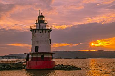 Sunset over Tarrytown Lighthouse