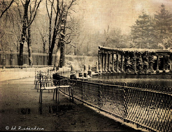 Chairs in Park Monceau