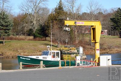 wp_p1_blue_hill_lobster_boat_crane_112713_CMYK