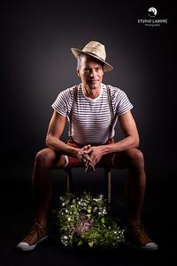 l'homme avec les fleurs | man with flowers