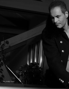 le manteau noir | the black coat