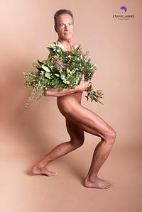 I'll bring you flowers | l'homme avec des fleurs