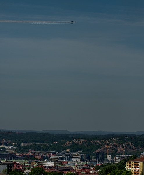 Team 60 and TP84 Hercules over Göteborg