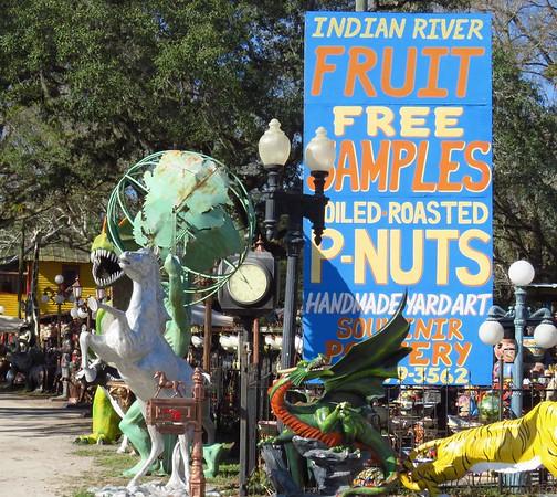 Barberville Roadside Art, FL (1)