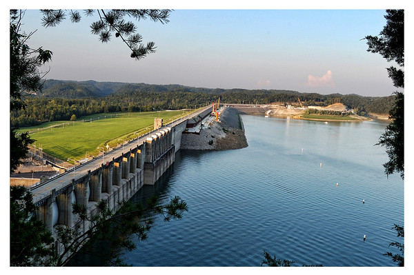 Wolf Creek Dam, Lake Cumberland, Kentucky.