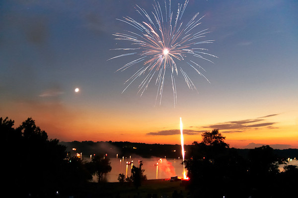 Happy 4th! Fireworks and sunset make a gorgeous display!