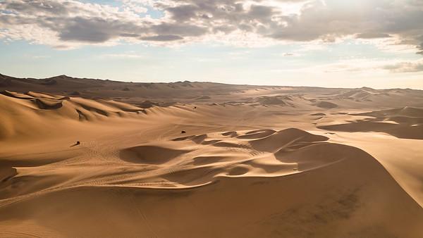 Dunes et buggys à Huacachina, Pérou