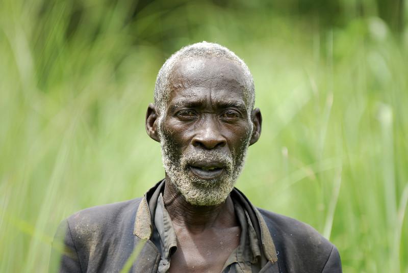 070114 4249 Burundi - Ruvubu Reserve Caretaker since 1980 _E _L ~E ~L