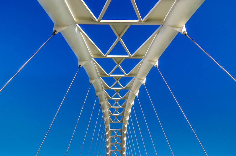 Pedestrian bridge over Humber River