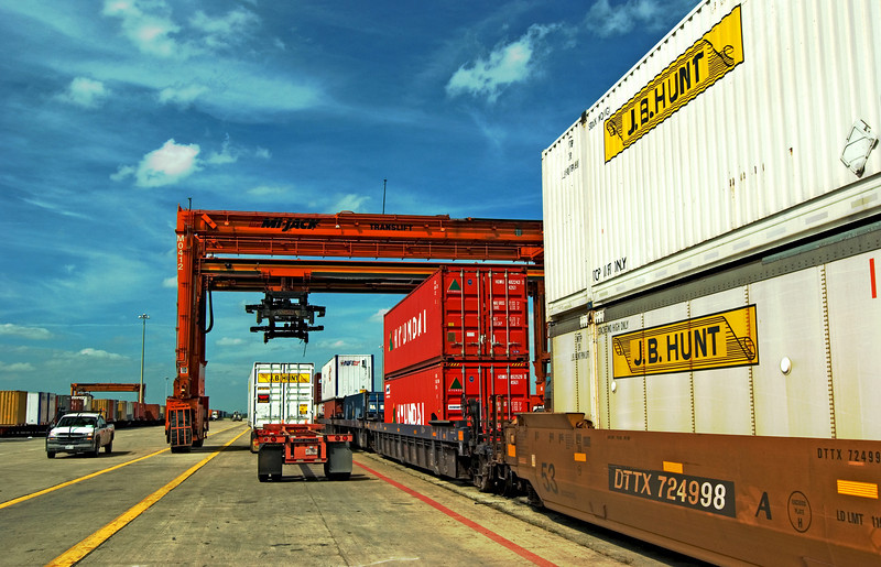 Unloading a JBH Intermodal container