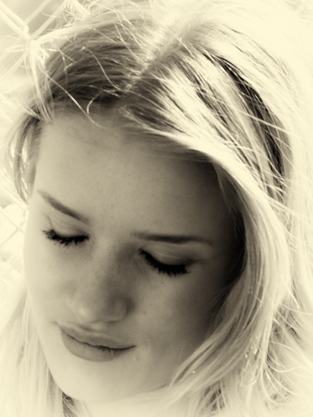 Beautiful British model Rosie Huntington-Whitele y and Current Star of Transformers Dark of the Moon