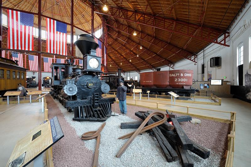B&O Railroad Museum 3s, at f/13 || E.Comp:0 || 14mm || WB: AUTO 0. || ISO: 200 || Tone:  || Sharp:  || Camera: NIKON D700on: 2015:02:09 11:09:19